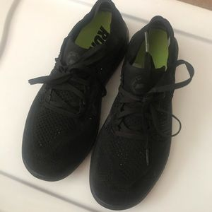 Black Nike tuning shoes Fly knits